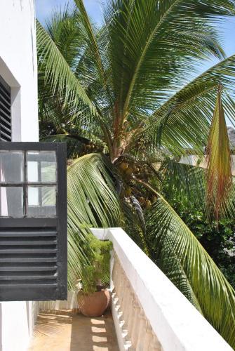 Shella White House, Lamu West