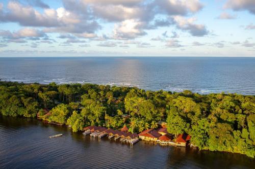 . Laguna Lodge