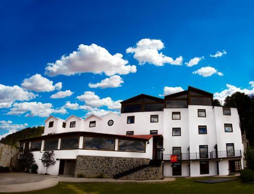 . Hotel Santiurde