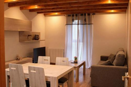 Apartamentos Zabalarena Ola - Hotel - Orbaiceta