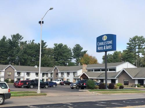 Cobblestone Hotel and Suites - Wisconsin Rapids