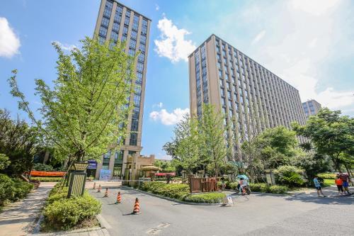 . Hangzhou 19 Room Apartment