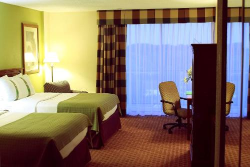 Garden Plaza Hotel - Saddle Brook, NJ 07663