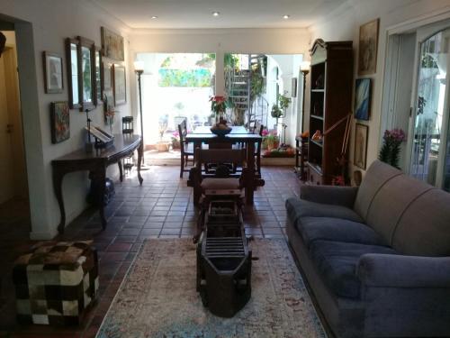Arte diseño y detalles vintage en una acogedora residencia de Lomas de San Isidro