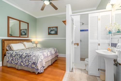 Old Hawaiian Bed and Breakfast - image 5