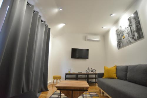 Apartman LENA - Hotel - Ðakovo