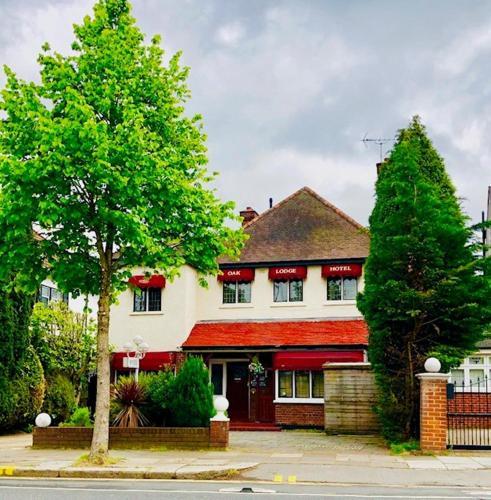 The Oak Lodge