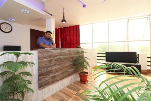 HOTEL THE SOOTHING SUBURB, Deoria