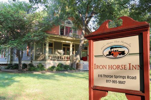 Iron Horse Inn - Accommodation - Granbury