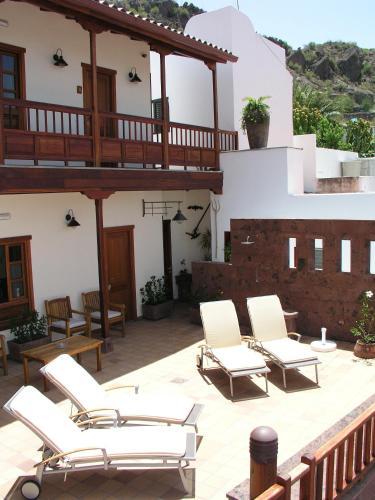 Calle Ezequiel Sánchez 22, 35360, Tejeda, Gran Canaria, Spain.