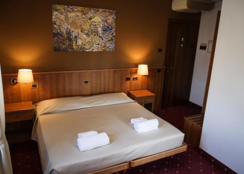 . VILLANOVA HOTEL