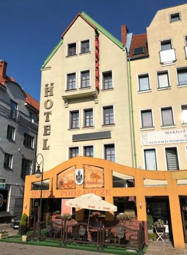. Hotel Restauracja Podzamcze