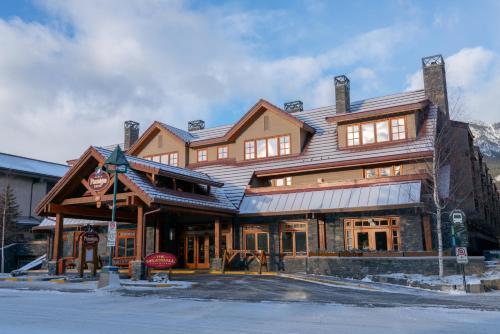 Banff Ptarmigan Inn - Photo 7 of 54
