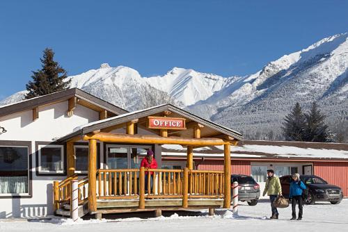 Rocky Mountain Ski Lodge - Photo 8 of 122