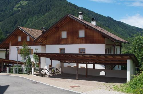 Residence Lusina - Accommodation - Luson