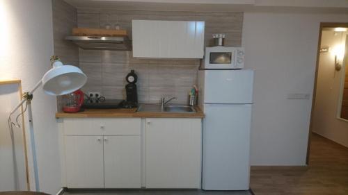 . Low-Budget Eco-Apartment (Z34)