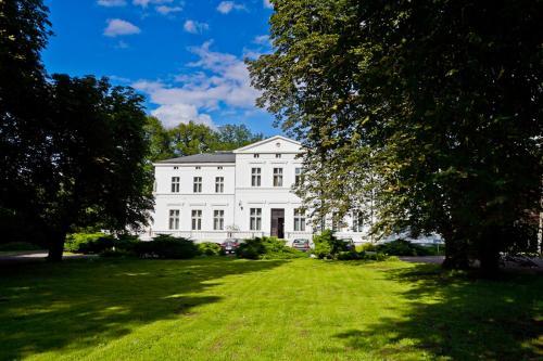 . Mańkowski Brodnica Palace