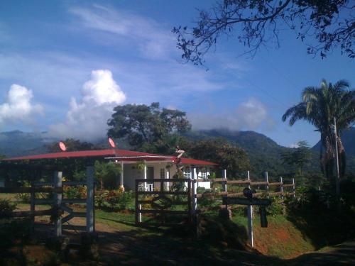 . Coffee Mountain Inn