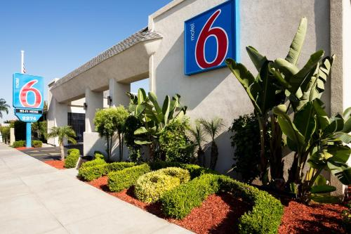 Motel 6-Costa Mesa CA - Newport Beach