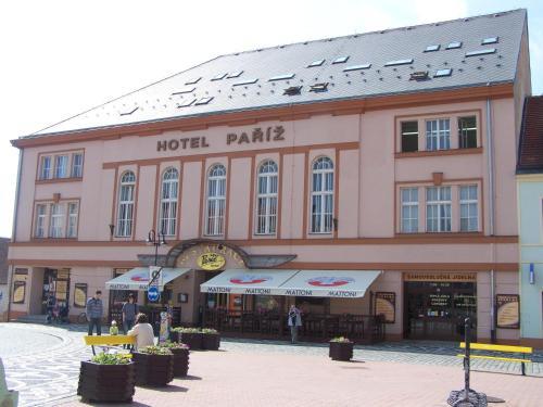 . Hotel Paříž