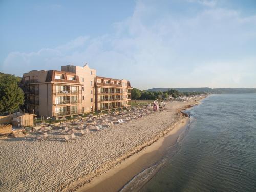 Effect Algara Beach Hotel