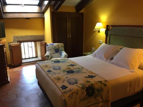 Großes Einzelzimmer Hotel Palacio Obispo 1