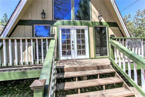 A Cabin Above-1761 by Big Bear Vacations - Sugarloaf