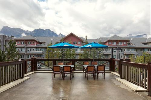 Mountain Bliss - Canmore, AB T1W 3J2
