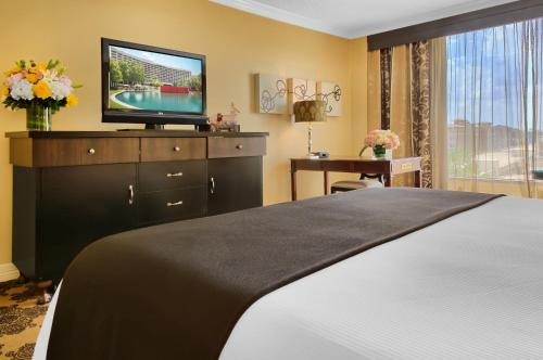 Omni Houston Hotel - image 6