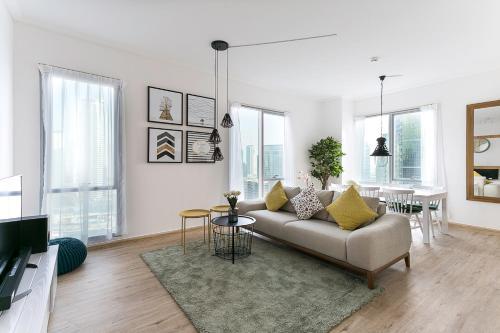 Luxurious Apartment Marina View - image 1