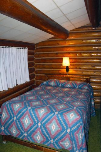 Sleepy Hollow Lodge - West Yellowstone, MT 59758