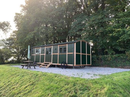 5* Shep Hut With Far Reaching Views Of Devon