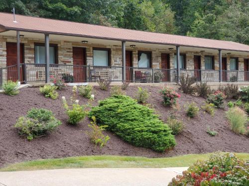 . Jefferson Hills Motel
