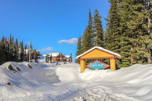 Snowbanks - Hotel - Big White