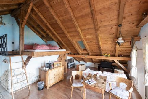 Chalet Alpenglut Suite with Spa Bath