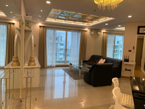 Spacious 2BR-Condo for 4 Guests in Huai Khwang Spacious 2BR-Condo for 4 Guests in Huai Khwang