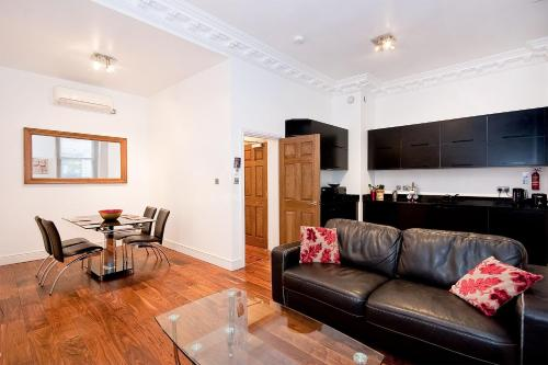 Apartment 2, 48 Bishopsgate, Bishopsgate