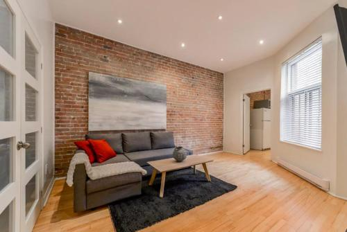 3-Bedroom Apartment on Montreal's St-Denis Street