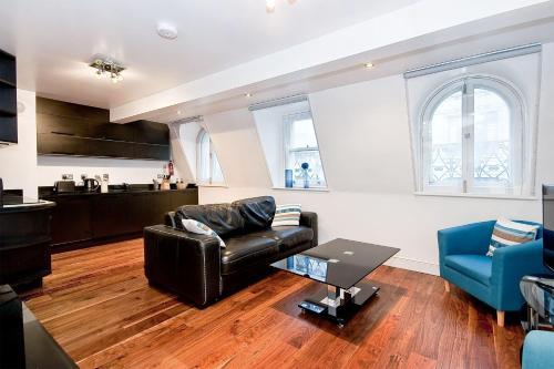 Apartment 4, 48 Bishopsgate, Bishopsgate