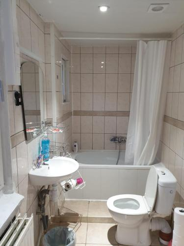 2BEDROOM APPARTMENT IN A NICE NEIGHBORHOOD IN BRUSSELS., 1083 Brüssel