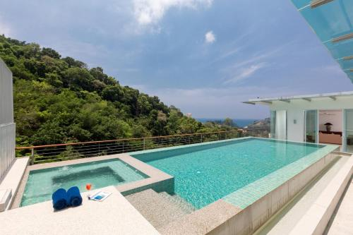 Spacious 4 bedroom with private pool Sea View Spacious 4 bedroom with private pool Sea View