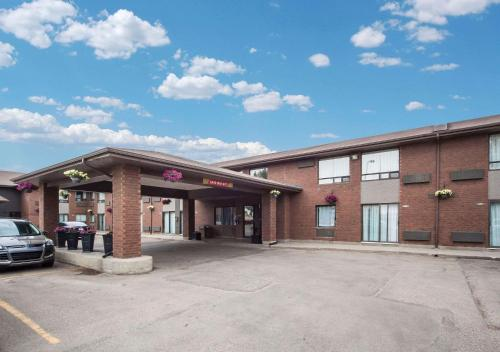 Comfort Inn Edmonton West - Edmonton, AB T5S 1S9