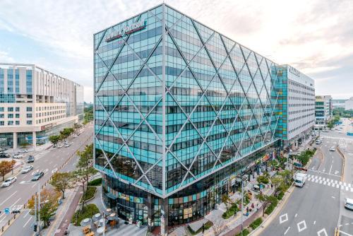 Howard Johnson by Wyndham Incheon Airport - Hotel - Incheon