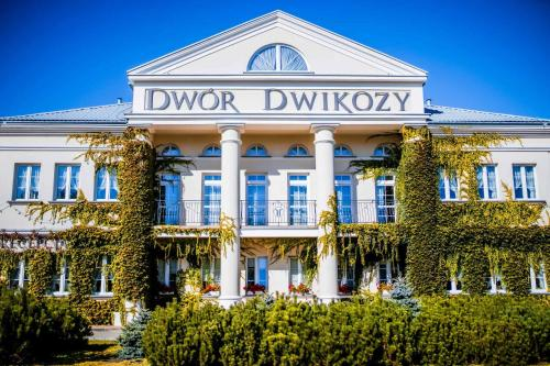 __{offers.Best_flights}__ Dwór Dwikozy