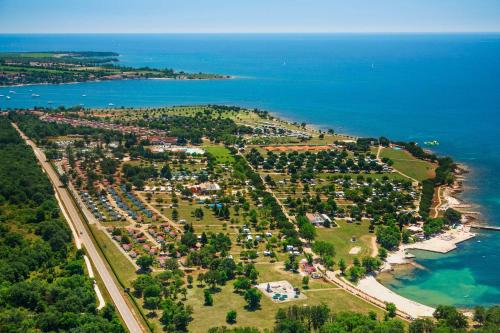 Happy Camp Mobile Homes in Camping Park Umag