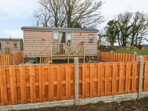 Cassie'S Shepherd'S Hut