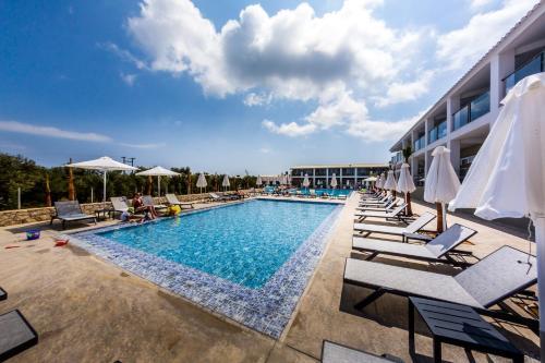 . Caretta Paradise Hotel & Waterpark