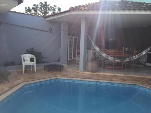 Casa com piscina, seu pet é bem vindo