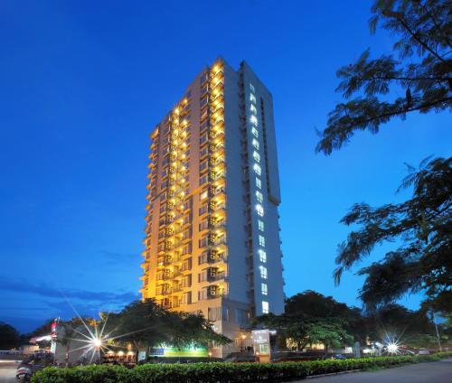 Hotel Starlit Suites Bengaluru