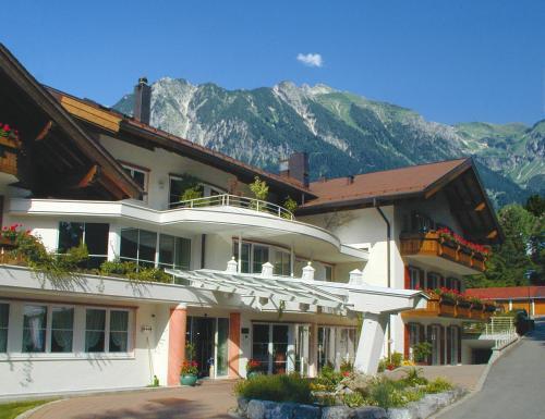 . Ringhotel Nebelhornblick